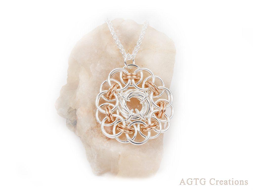parallel chain pendant
